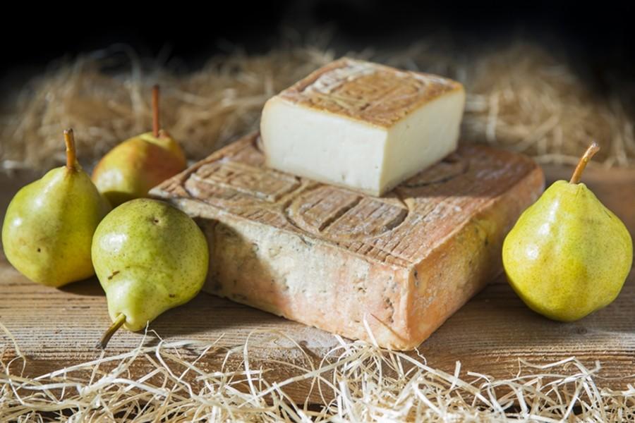 Taleggio D.O.P. un formaggio tutto da vivere.