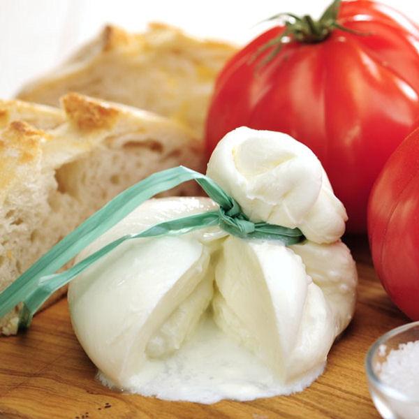Burrata, stracciatelle, mozzarella : prodotti pugliesi fatti artigianalmente