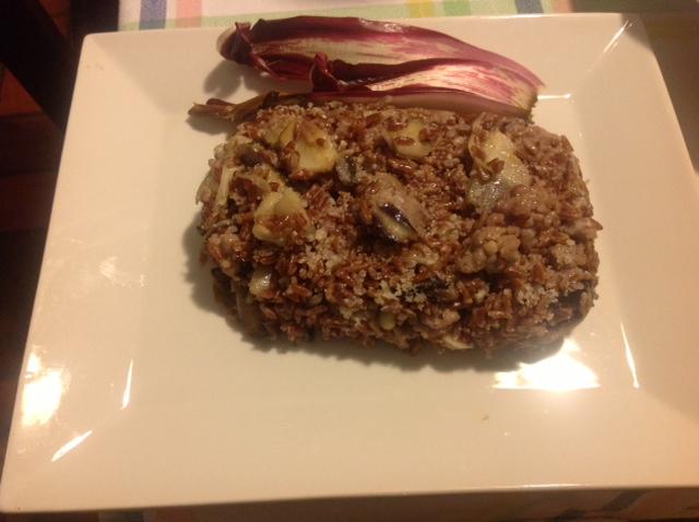 Rode rijst met Trevisano radicchio en worstjes