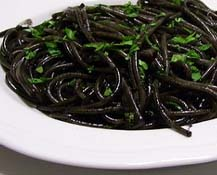 RICETTA INVIATA DA SIGUNE: Linguine al Nero di Seppia con Calamari e Peperoncino