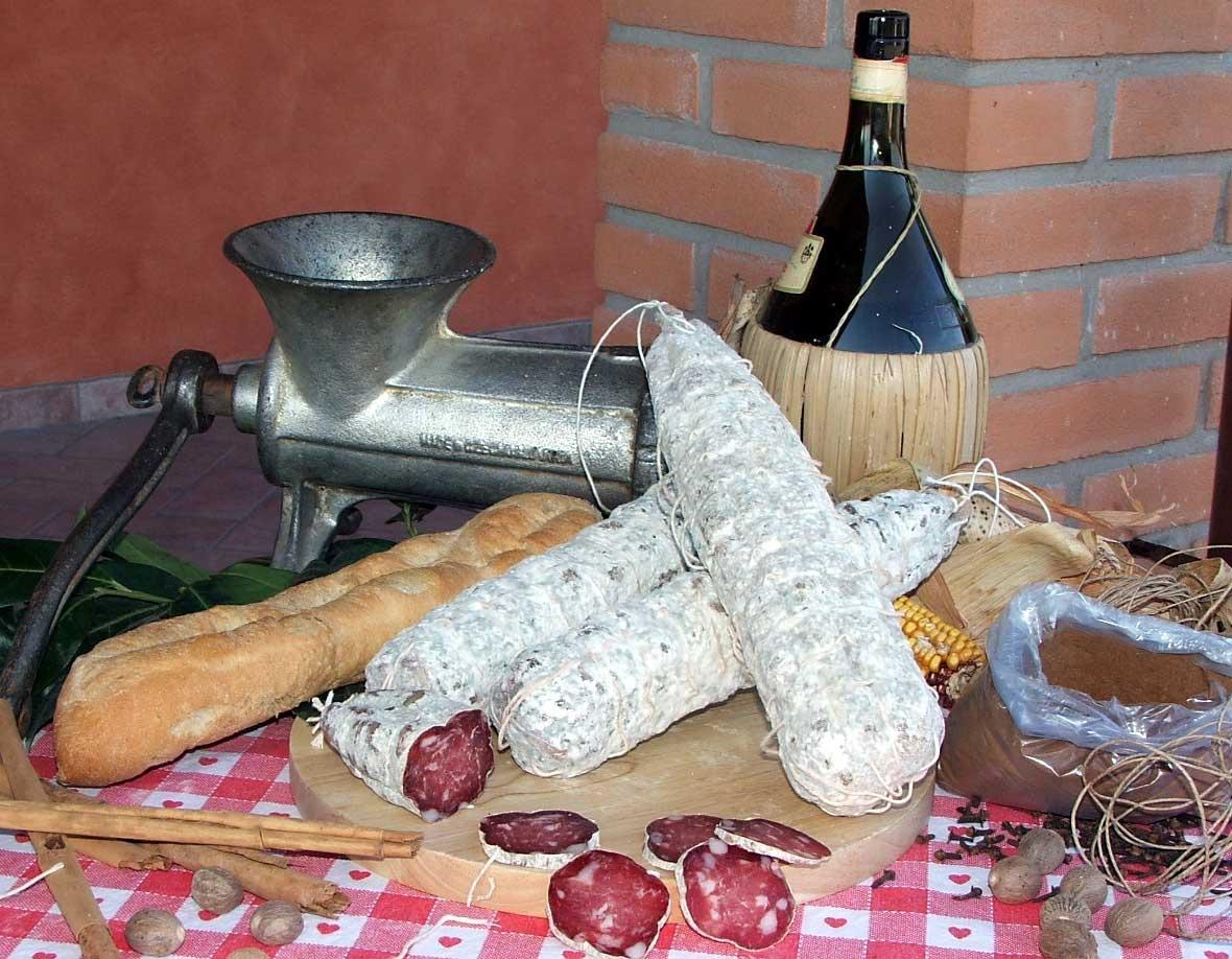 Butcher AL BERLINGHETTO - Fresh, artisan sausages WITHOUT ADDITION OF GLUTEN or MILK POWDER