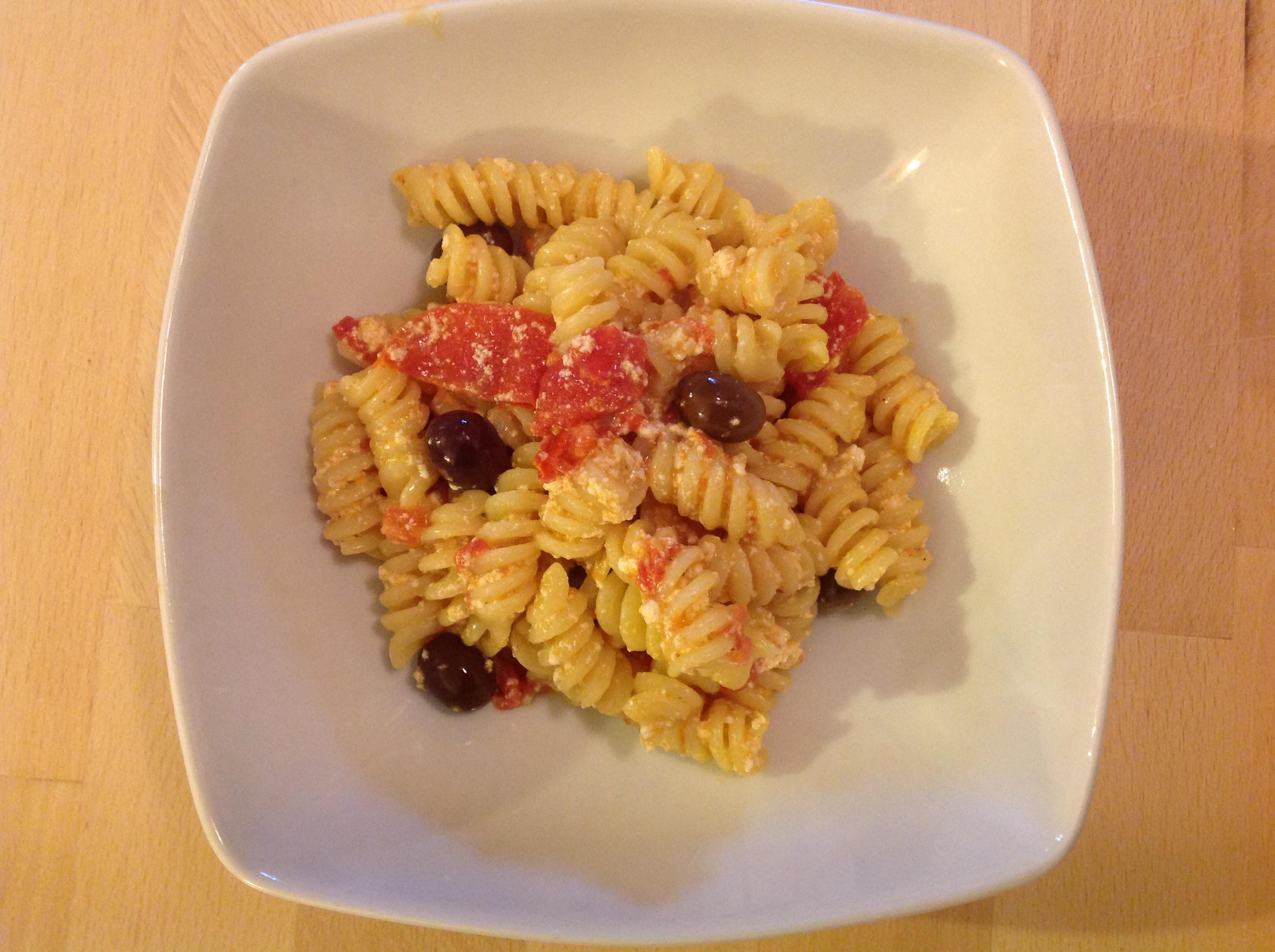Fusilli mit Oliven-Ricotta-Tomaten-Sauce - Ein Rezept von Daniela