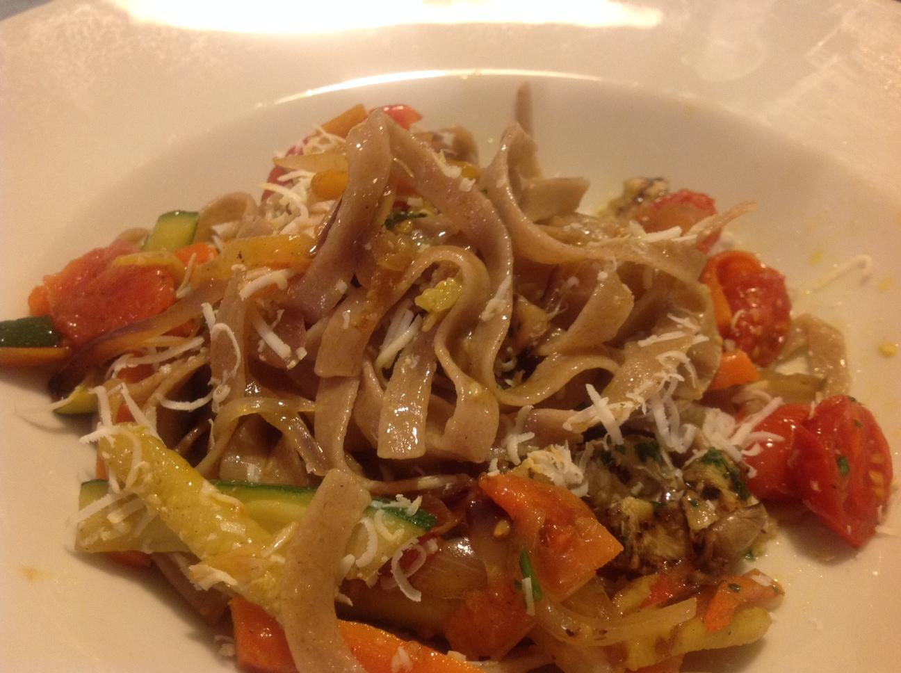 Vollkorn-Tagliatelle aus Tumminia Weizen La Fastuchera mit Gemüse
