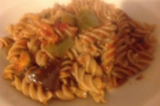 Vollkorn-Fusilli aus Tumminia Weizen mit Gemüse-Tomaten-Sauce