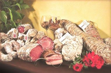 Azienda Agricola Marchesini:Salame Bresciano, Culatello, Coppa,Pancetta, Lonzino  Strusett Piccanti prodotto particolare e di estrema qualità.