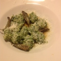 Bread gnocchi with ricotta and spinach