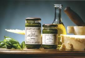 La Favorita : La Produzione del Pesto alla Genovese Lavorazione del basilico
