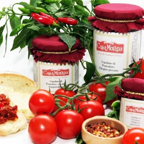 Casa Morana Tomates frescos, ingredientes naturales, elaboración artesanal: estos son los elementos que distiguen nuestros productos