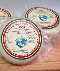 Vastedda valle del Belìce DOP è uno dei pochissimi formaggi ovini a pasta filata