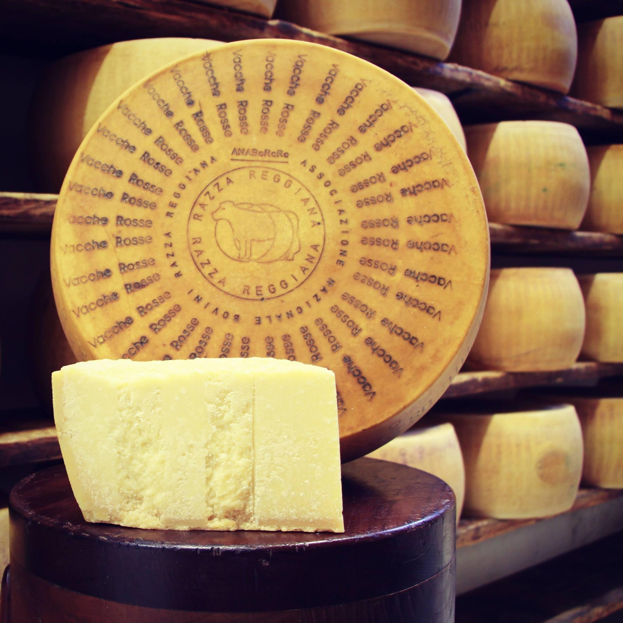 Parmigiano Reggiano Vacche Rosse  24/30 mesi - 0,50 / 0,55 Kg.